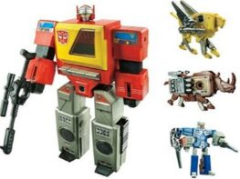 Hasbro Transformers 2010 Exclusive Figure Autobot Blaster