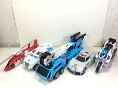 Transformers Unite Warriors UW-03 Defensor